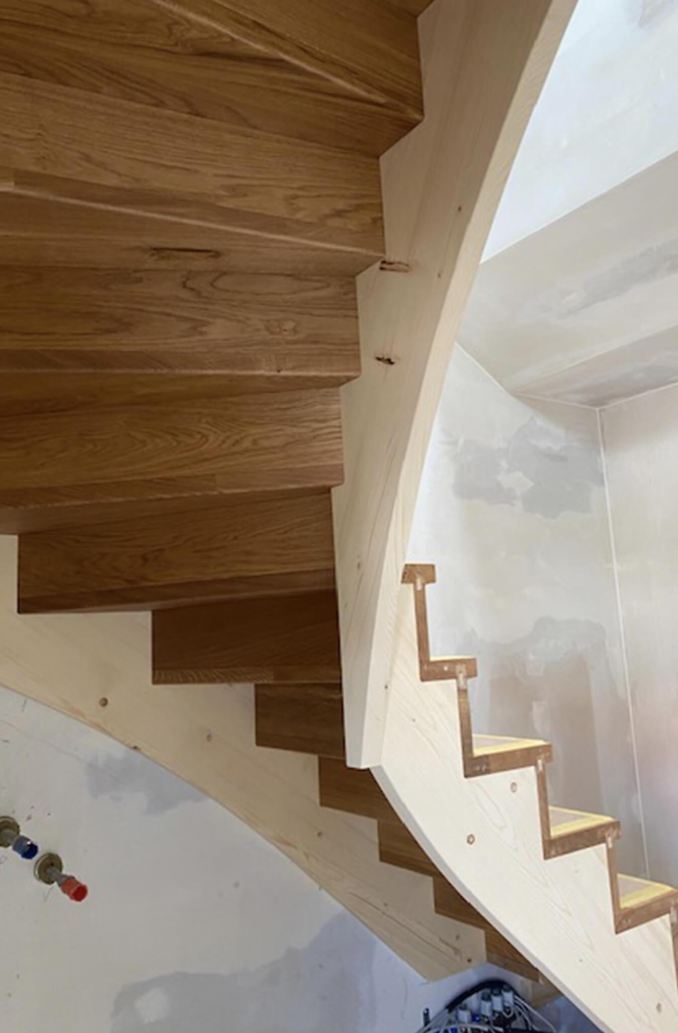 Holzbau Hoiss Innenausbau Holztreppe