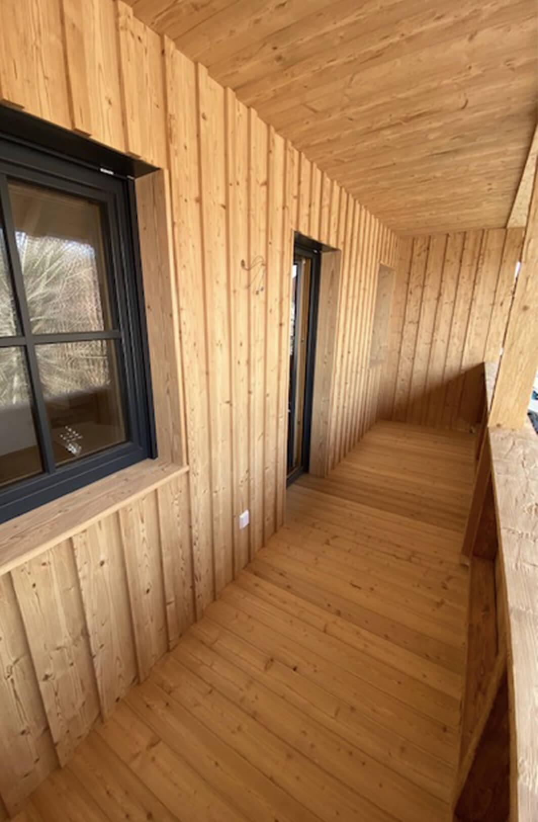 Holzbau Hoiss Fenster, Balkon